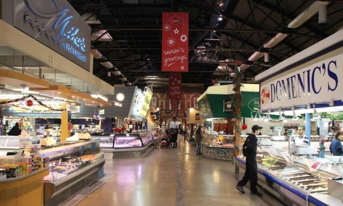 O St. Lawrence Market, em Toronto Foto: Eduardo Maia / O Globo