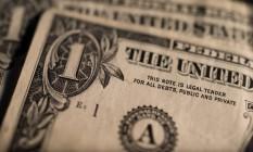 Dólar turismo acompanha queda do dólar comercial e valor oscila entre R$ 3,56 e R$ 3,67 Foto: Ron Antonelli / Bloomberg