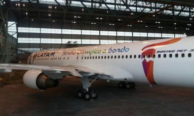 Avião que vai trazer a tocha olímpica ao Brasil Foto: Divulgação