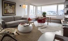 Sala de estar. Casa da mãe da arquiteta Julia Abreu Foto: Agência O Globo
