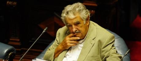 Contratempos. José Mujica durante sessão no Senado: comissão opositora no Congresso quer investigar negócios fechados com a Venezuela entre 2010 e 2015 Foto: Archivo El Pais / El País