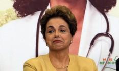 A presidente Dilma Roussef, durante cerimônia de anúncio da prorrogação da permanência dos médicos brasileiros formados no exterior e estrangeiros no Programa Mais Médicos Foto: Givaldo Barbosa / Agência O Globo / 29-4-2016