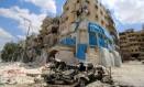 Hospital apoiado pelo Médicos Sem Fronteiras (MSF) foi destruído em bombardeio contra área rebelde de Aleppo Foto: ABDALRHMAN ISMAIL / REUTERS