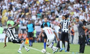 O primeiro jogo da final do Carioca entre Vasco e Botafogo levou ao Maracanã quase 44 mil torcedores Foto: Guilherme Pinto / Agência O Globo