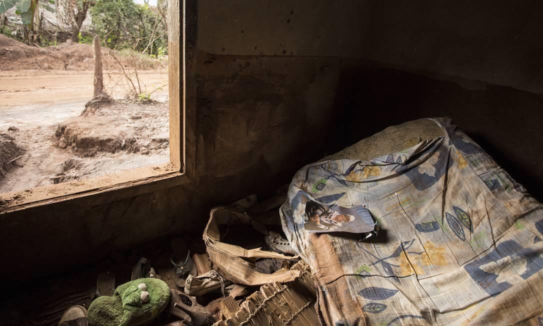 Segundo a ministra do Meio Ambiente, Izabella Teixeira, a recuperação da bacia do Rio Doce pode levar até 30 anos Foto: Ana Branco / Agência O Globo