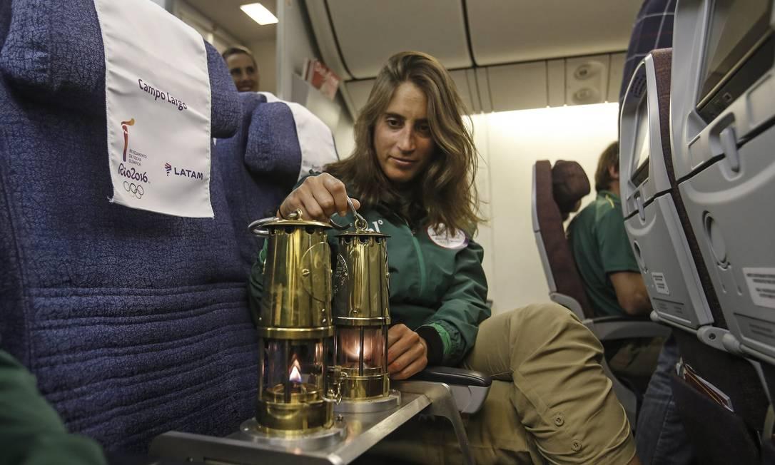 A chama olímpica partiu de Genebra, na Suíça, na segunda-feira, e chegou ao Brasil de avião na manhã desta terça-feira Andre Luiz Mello / Rio-2016