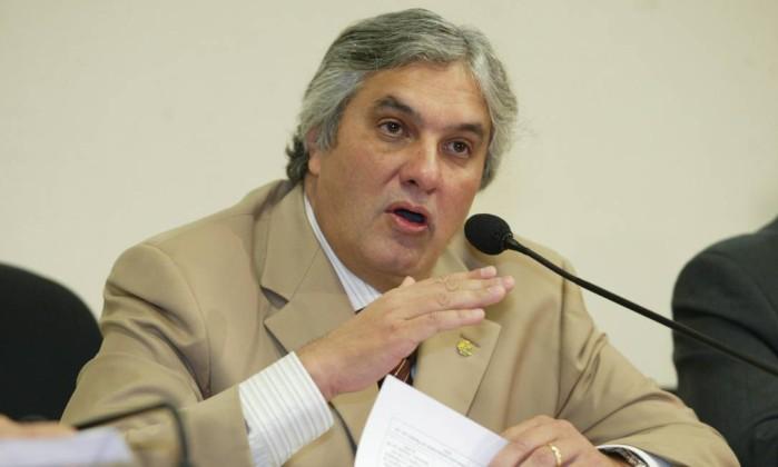 Resultado de imagem para Lula 'fatiou' a Petrobras para evitar impeachment no mensalão, diz Delcídio em delação ao MPF