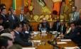 O presidente da Câmara dos Deputados, Eduardo Cunha, em reunião com líderes partidários