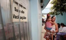 População procura por vacina no posto de saúde de Maricá Foto: Agência O Globo / Thiago Freitas