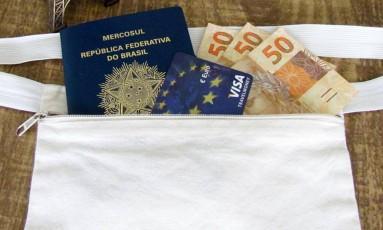 IOF sobe para transações de moedas em espécie Foto: Divulgação