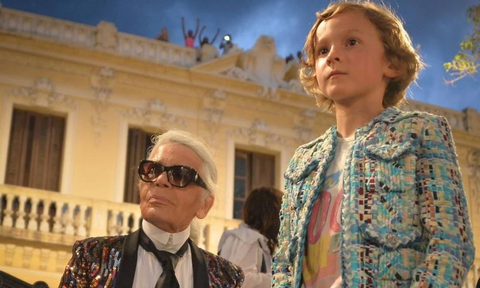Karl Lagerfeld, diretor criativo da Chanel, se inspirou em Cuba para a coleção Cruise 2017. O desfile foi realizado no Paseo del Prado, em Havana Foto: ADALBERTO ROQUE/AFP