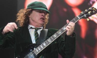 Angus Young durante show do AC/DC em São Paulo Foto: Odival Reis / Agência O Globo