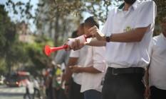 Protesto de taxistas em frente à Camara Municipal contra a aprovação do projeto de lei que regulamenta aplicativos de serviços de transporte Foto: Marcos Alves / Agência O Globo