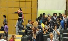 Estudantes ocupam plenário da Assembleia Legislativa de São Paulo Foto: ZED / Pedro Kirilos/ Agência O Globo