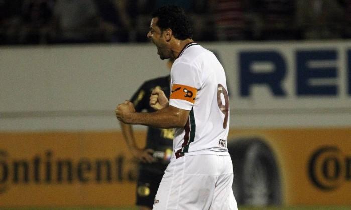 Fred comemora um de seus gols no empate entre Fluminense e Ferroviária Foto: Nelson Perez/Divulgação Fluminense