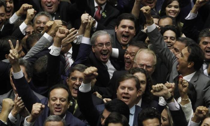 Líder do PMDB, Eduardo Cunha assume Presidência da Câmara dos Deputados, já em queda de braço com a então presidente Dilma Rousseff e com o PT Foto: Givaldo Barbosa / Agência O Globo 1/02/2015