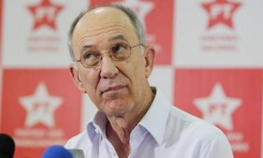 O presidente do PT, Rui Falcão Foto: Michel Filho / Agência O Globo