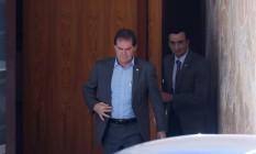 Deputado Paulo Pereira da Silva, o Paulinho da Força, deixa a casa de Eduardo Cunha após reunião Foto: André Coelho / Agência O Globo