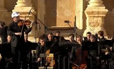 Orquestra russa se apresenta em Palmira, so regência do maestro Valery Gergiev Foto: Reprodução YouTube