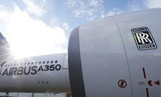 Um Airbus A350 com o logotipo da Rolls-Royce Foto: REGIS DUVIGNAU / REUTERS/4-12-2014