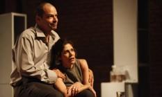Niterói - A peça mostra a relação do casal vivido por Juliana Martins e Heitor Martinez Foto: Divilgação/Marcos Morteira