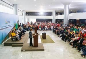 A presidente Dilma Rousseff durante cerimônia de contratação simultânea de 25 mil unidades habitacionais do Programa Minha Casa Minha Vida com entidades rurais e urbanas Foto: Roberto Stuckert Filho/PR