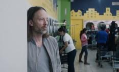 Thom Yorke no clipe de 'Daydreaming' Foto: Reprodução