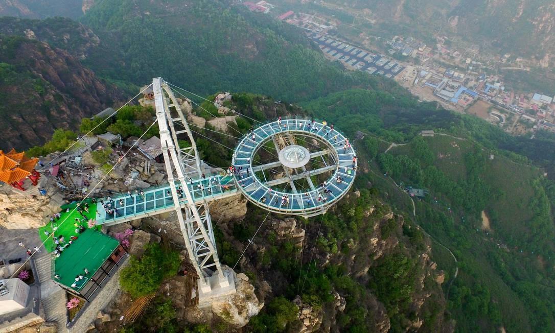 O mirante em Shilinxia foi inaugurado em 30 de abril, no Distrito de Pinggu, nos arredores de Pequim Foto: STR / AFP