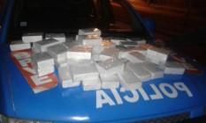 PM apreende cerca de 50 quilos de cocaína na Avenida Brasil Foto: Divulgação/PM