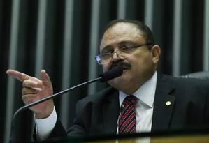 Cadeira principal. Como vice, Maranhão presidiu sessões na ausência de Cunha. Agora titular interino do cargo, sofre pressões Foto: André Coelho/2-6-2015
