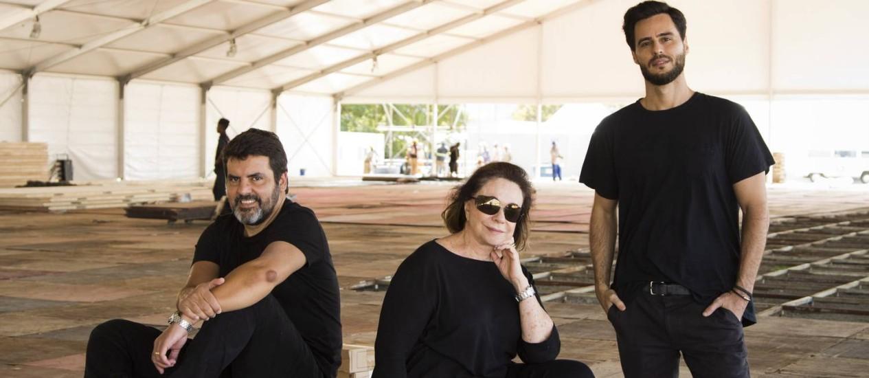 Marcelo Bastos (Farm), Mara Mac Dowell (Mara Mac) e Rodrigo Ribeiro (Foxton): ansiosos pelo outlet que está sendo montado na Marina Foto: Monica Imbuzeiro / Agencia O Globo