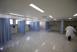 Duas novas salas de CTI reformadas no Hospital municipal Souza Aguiar Foto: Alexandre Cassiano / Agência O Globo