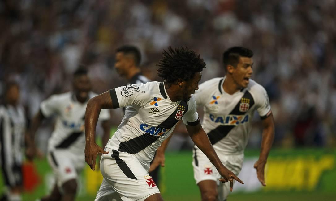 Rafael Vaz comemora o gol do Vasco sobre o Botafogo Daniel Marenco / Agencia O Globo / Agência O Globo