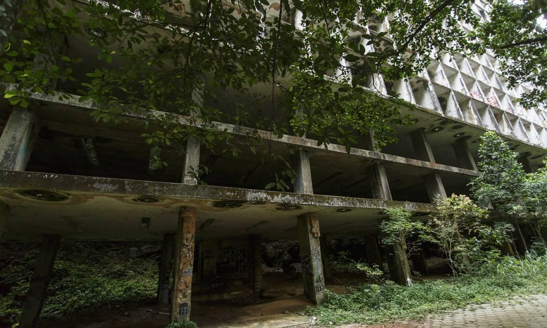 Após virar 'point', esqueleto do Gávea Tourist Hotel fecha para visitação