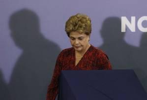 A presidente Dilma Rousseff participa da inauguração do aeroporto de Santa Genoveva, em Goiânia Foto: André Coelho / Agência O Globo / 9-5-2016
