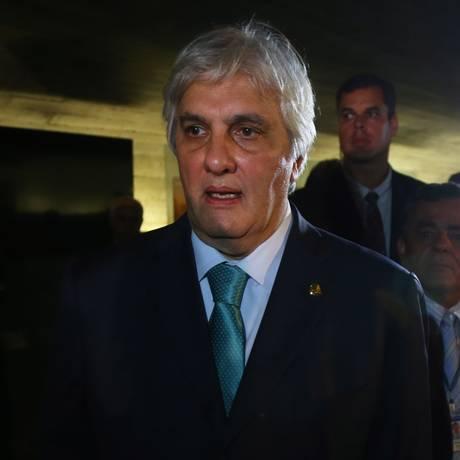 Delcídio Amaral volta ao Senado após ser preso pela Lava-Jato Foto: Ailton de Freitas 9/5/2016 / Agência O Globo