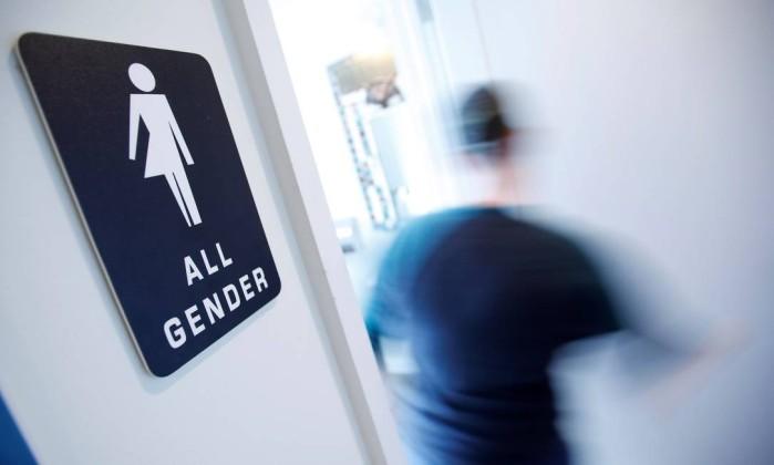 Resultado de imagem para banheiro transgender