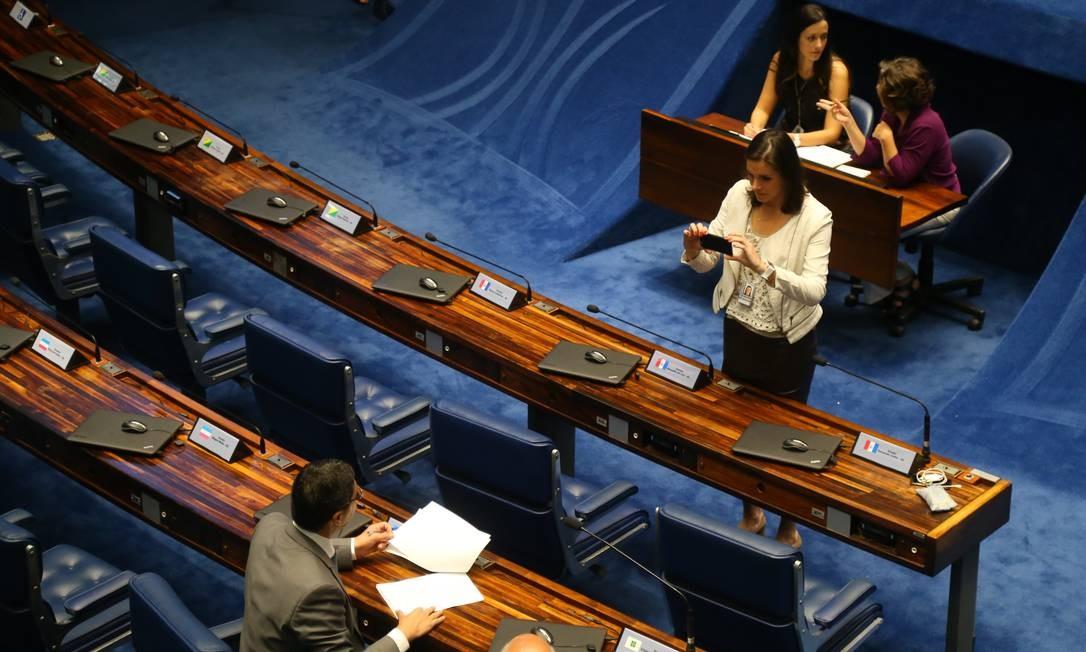 Senadores se reúnem para votar admissibilidade de culpa da presidente DIlma Roussef Ailton Freitas / Agência O Globo