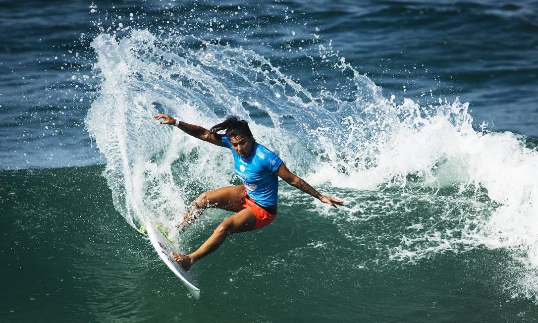 Silvana encaixou duas boas ondas no final da repescagem, mas não o suficiente para superar Moore. Com isso, a brasileira foi eliminada no primeiro dia de baterias femininas do WCT do Rio Guito Moreto / Agência O Globo