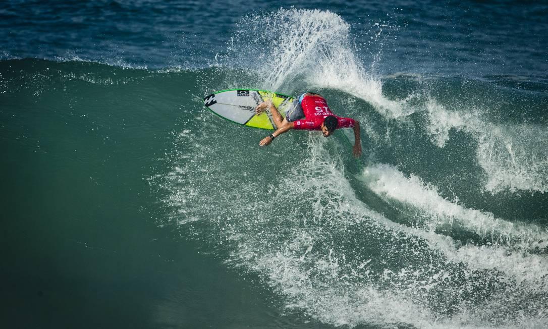 Na terça, primeiro dia de WCT do Rio, os homens caíram na água. Ítalo Ferreira fez as maiores notas do dia e se garantiu na terceira fase Guito Moreto / Agência O Globo