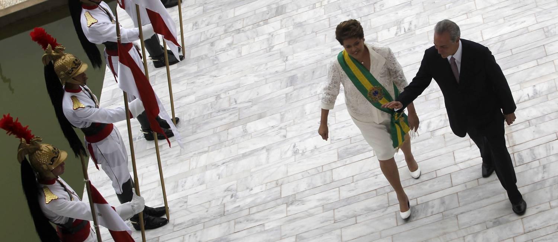 Temer e Dilma na cerimônia de posse em 2011 Foto: Jorge William / Agência O Globo / 1-1-2011