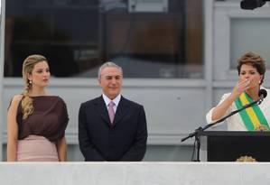 Marcela Temer ao lado do marido Michel e de Dilma Rousseff em sua posse em 2011 Foto: André Coelho / Agência O Globo / 1-1-2011
