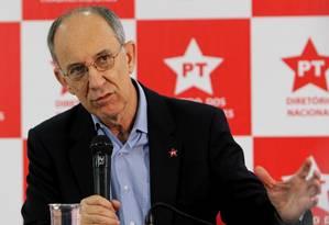 O presidente nacional do PT, Partido dos Trabalhadores, Rui Falcão Foto: Michel Filho / O Globo
