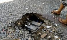 O buraco na Rua Haddock Lobo Foto: Leitor Alexandre Cosme / Eu-Repórter