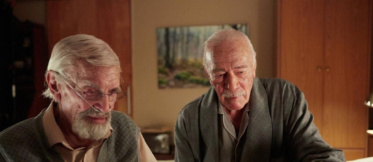Martin Landau e Christopher Plummer em cena de 'Memórias secretas' Foto: Divulgação