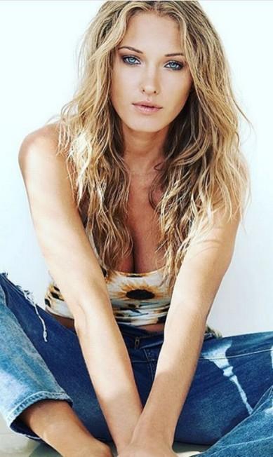 Mais um clique da modelo Instagram / Ela Kawalec