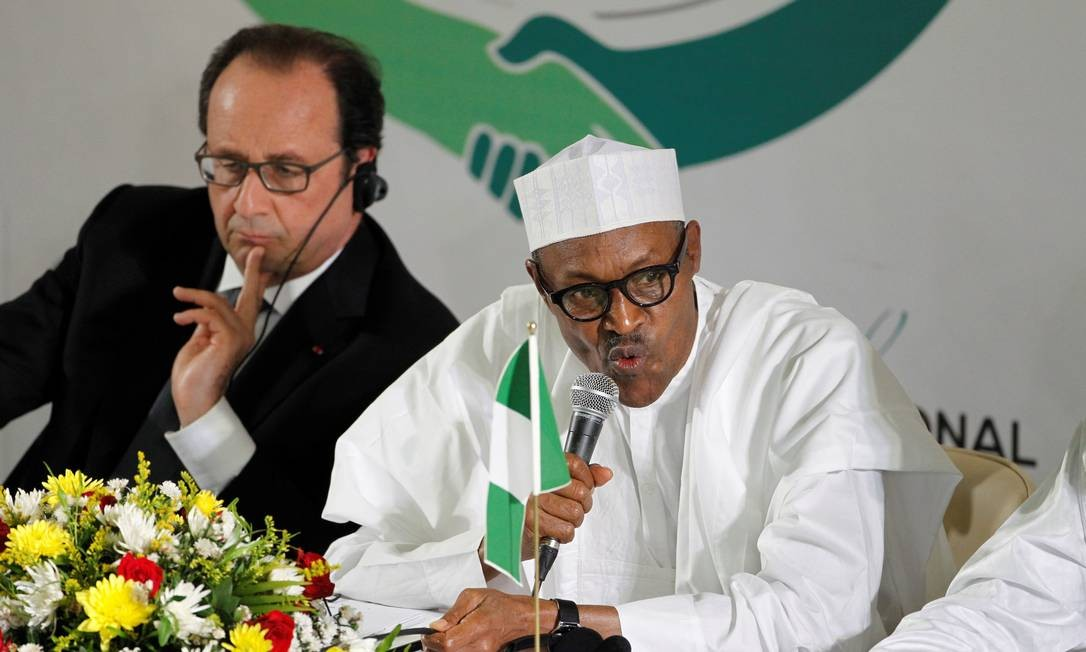 Nigeria's President Muhammadu Buhari speaks to the media next to France's President Francois Hollande at the second Regional Security Summit in Abuja, Nigeria May 14, 2016. REUTERS/Afolabi Sotunde Foto: AFOLABI SOTUNDE / REUTERS