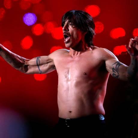 Anthony Kiedis durante a apresentação do Red Hot Chili Peppers no Super Bowl, em 2014 Foto: Shannon Stapleton / REUTERS