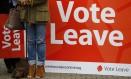 Britânicos fazem campanha em favor da saída da União Europeia Foto: DARREN STAPLES / REUTERS