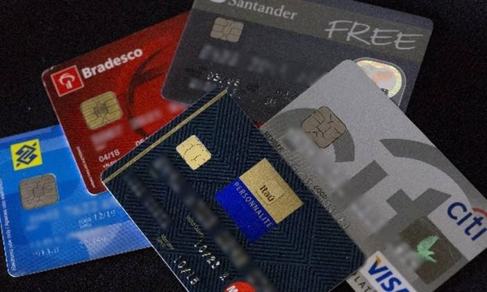 cartões de crédito Foto: Agência O Globo